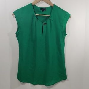 The limited- Green Blouse with Keyhole w/clasp